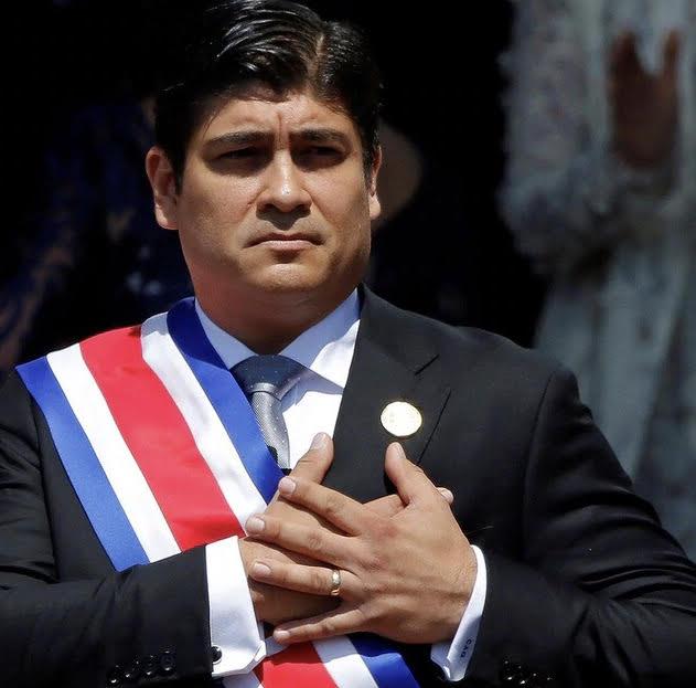 Foto Presidente Carlos Alvarado