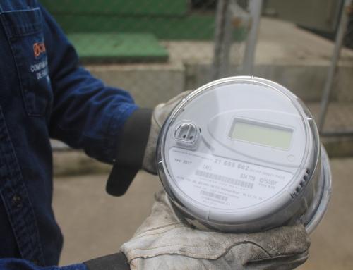 CNFL innova en la instalación de medidores inteligentes y un sistema que evitará el hurto de energía