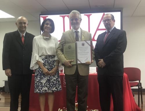 UNA otorga distinción de profesor emérito a la academia a Edgardo Moreno