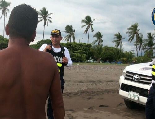 74 personas notificadas por visitar playas fuera de horario establecido