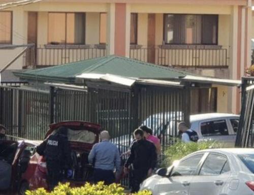 Allanan viviendas y rescatan a dos personas secuestradas