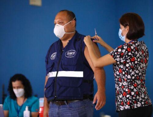CCSS inicia aplicación de vacuna Oxford-AstraZeneca