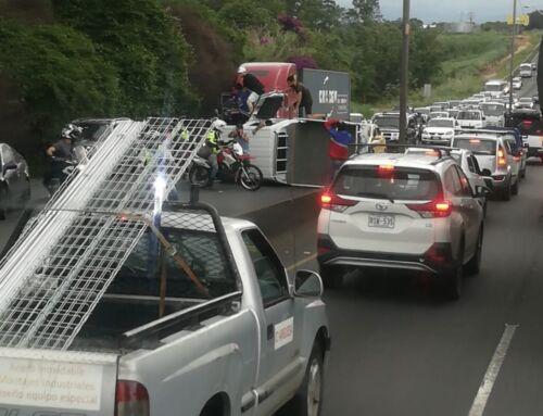 (VIDEO) Motociclista grabó cómo ocurrió el accidente de tránsito cerca del Castella