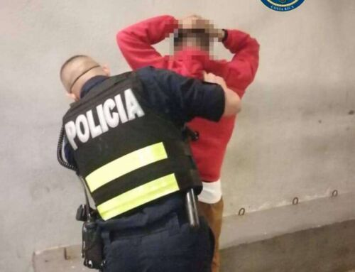 Policías capturan infraganti a dos sospechosos de asalto a peatones en Heredia | Velero.cr